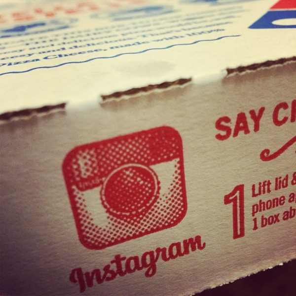 instagram logo on pizza box